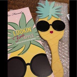 Tarte Limited Edition Pineapple HandMirrorNIB)🍍